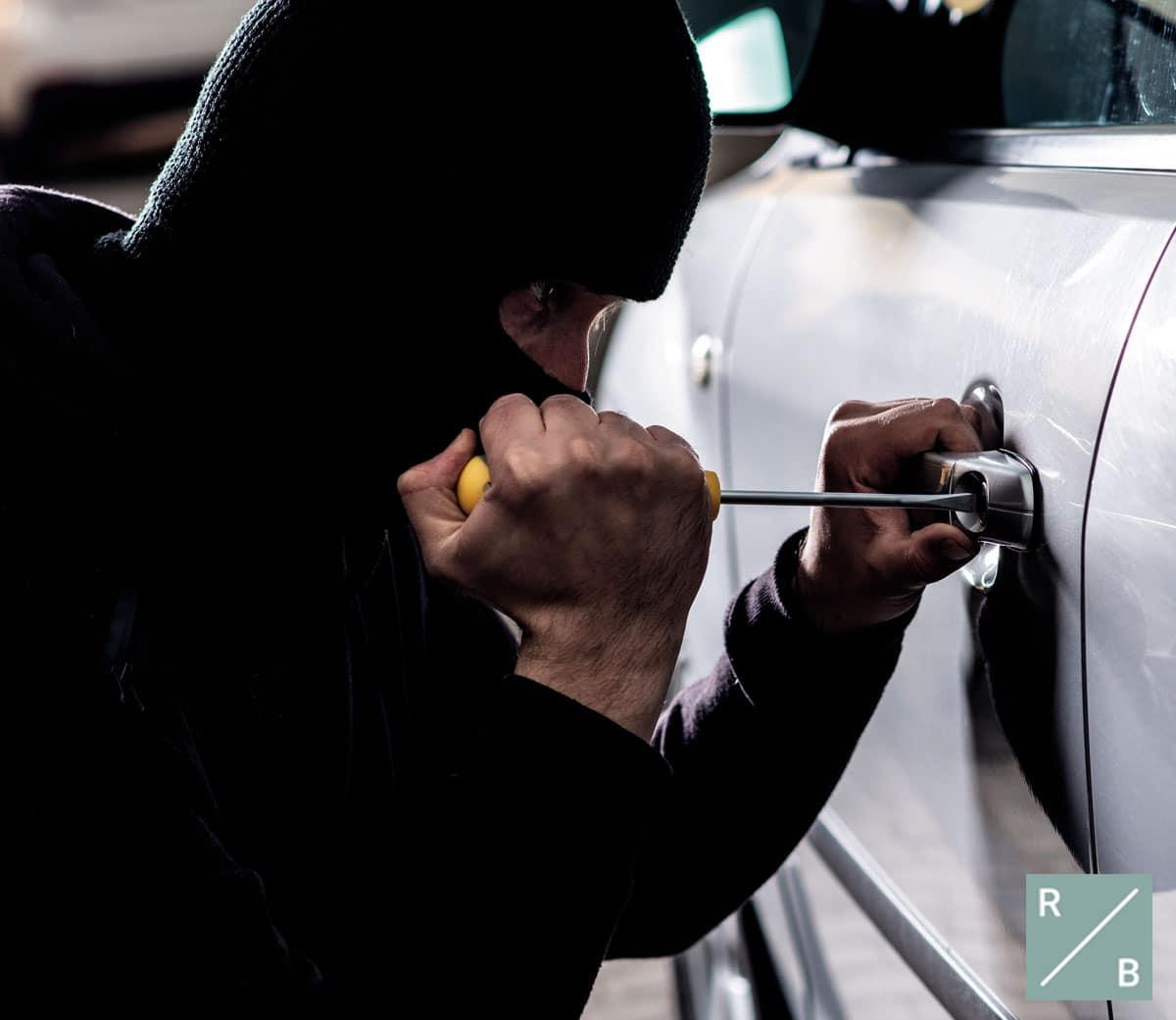 Agravante penal robo coche